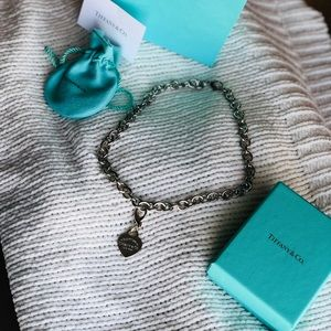 Tiffany & Co chain necklace with Tiffany charm